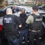 谨遵川普令ICE执法今年最强,滥用福利者优先被遣送回国!